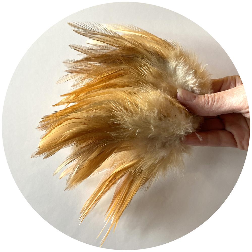 Strung Rooster Saddles Long - Natural Ginger